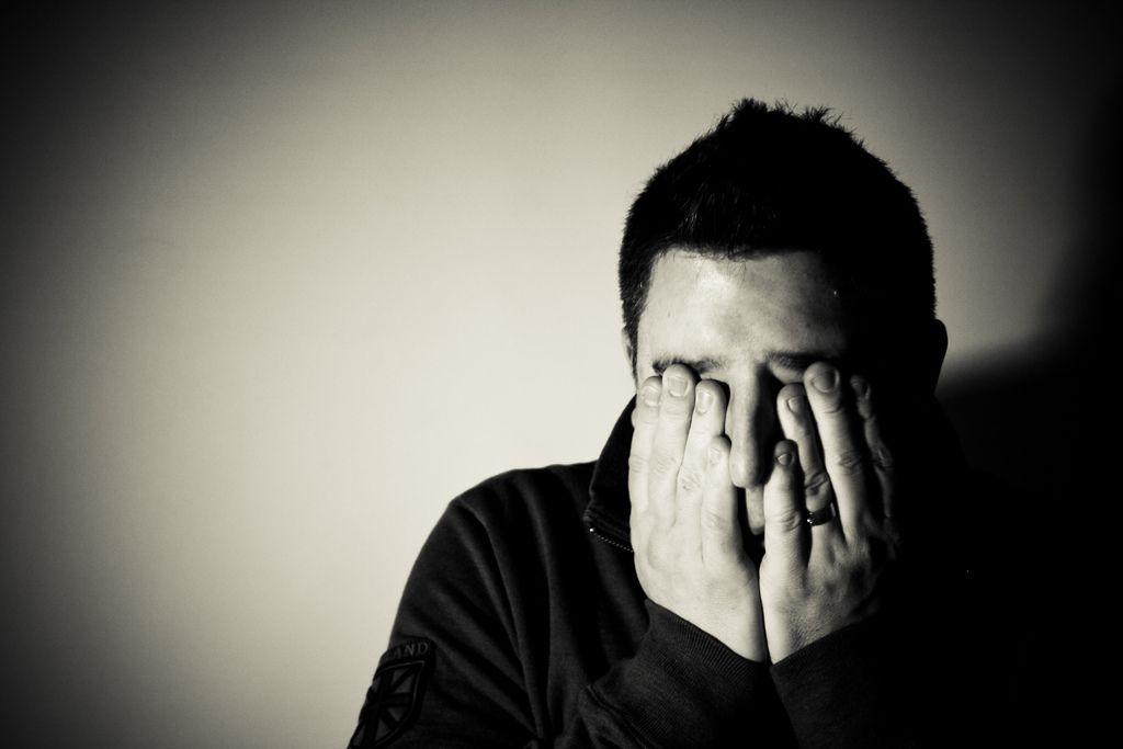 Simptomele stresului post-traumatic. Cum iti dai seama ca de asta suferi?