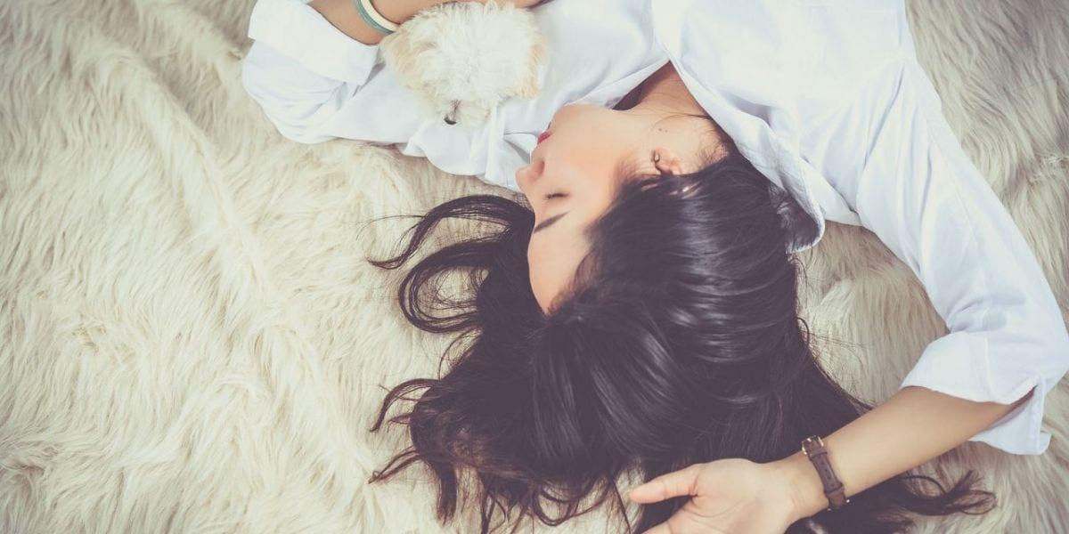 8 simptome care indica un singur vinovat – Insomnia!