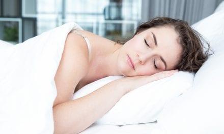 Femeile au nevoie de mai mult somn. Si barbatii suprasolicitati la fel