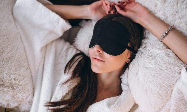 4 obiceiuri simple care te ajuta sa dormi bine noaptea
