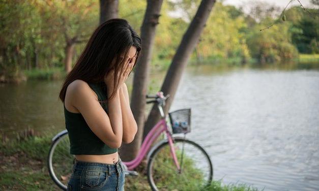 10 semnale de alarma in caz de ganduri de suicid