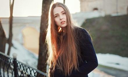12 factori care cresc riscul aparitiei depresiei la tineri